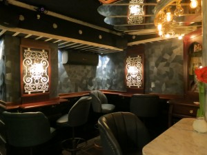 lulu white cocktail bar