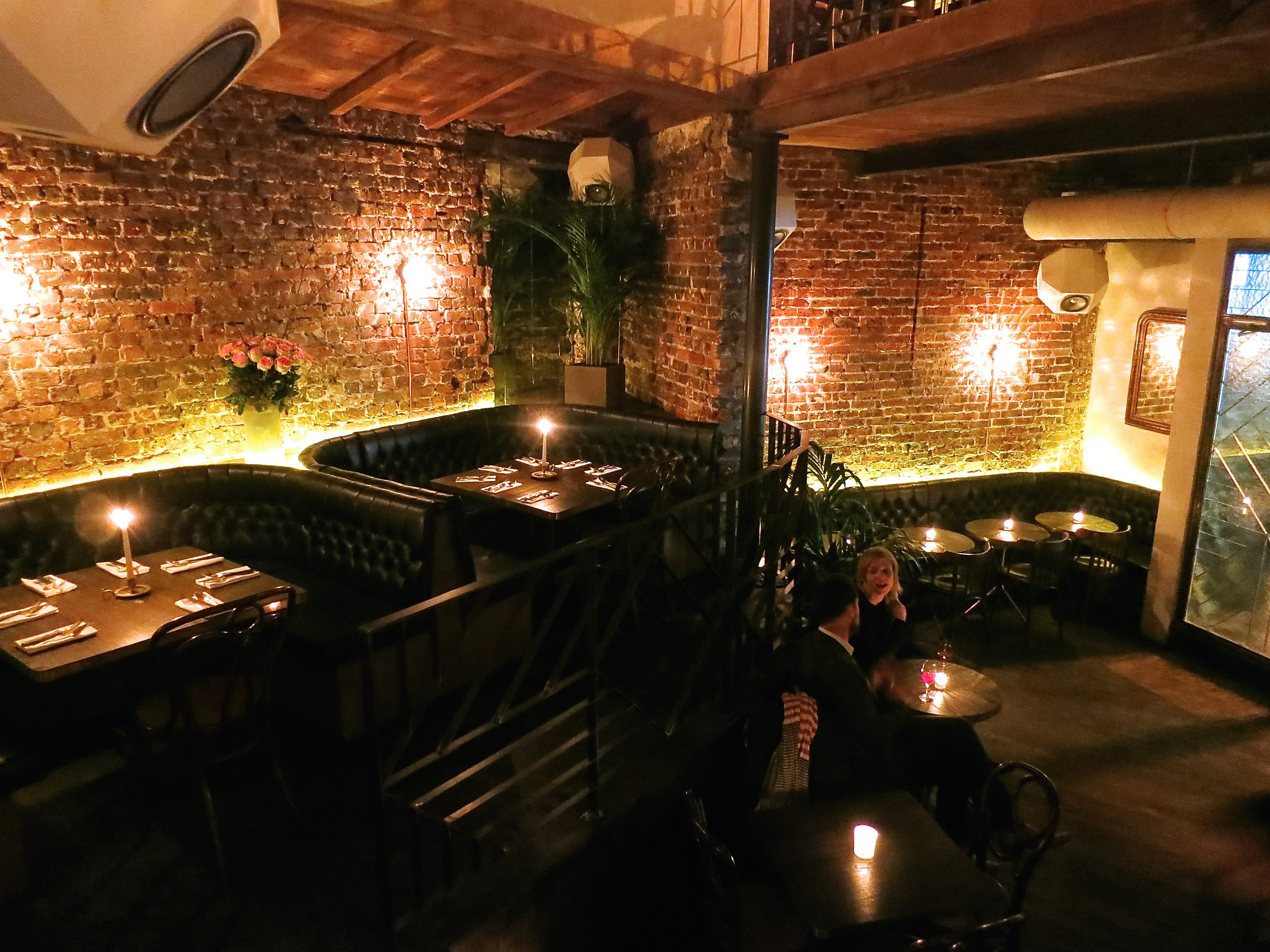 l'entree des artistes pigalle cocktail bar
